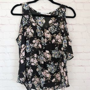 [Lush] cold shoulder black floral print top M
